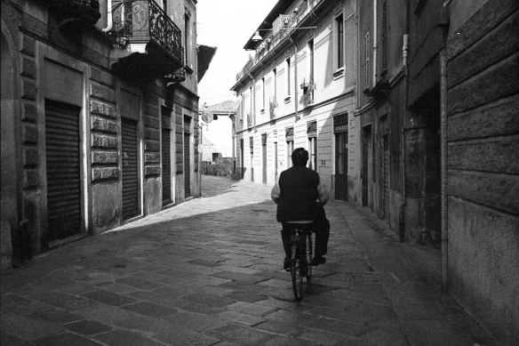 bicicletta in centro a busto