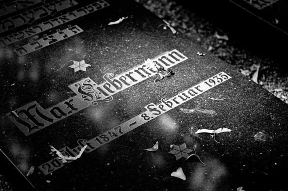 Max Liebermann grave, Jüdischer Friedhof Prenzlauer Berg, Berlin, august 2009