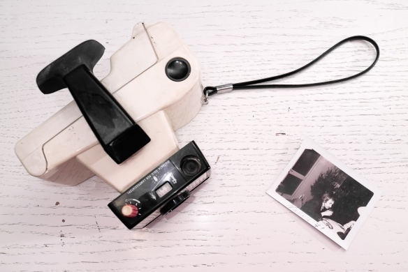 polaroid_swinger_camera