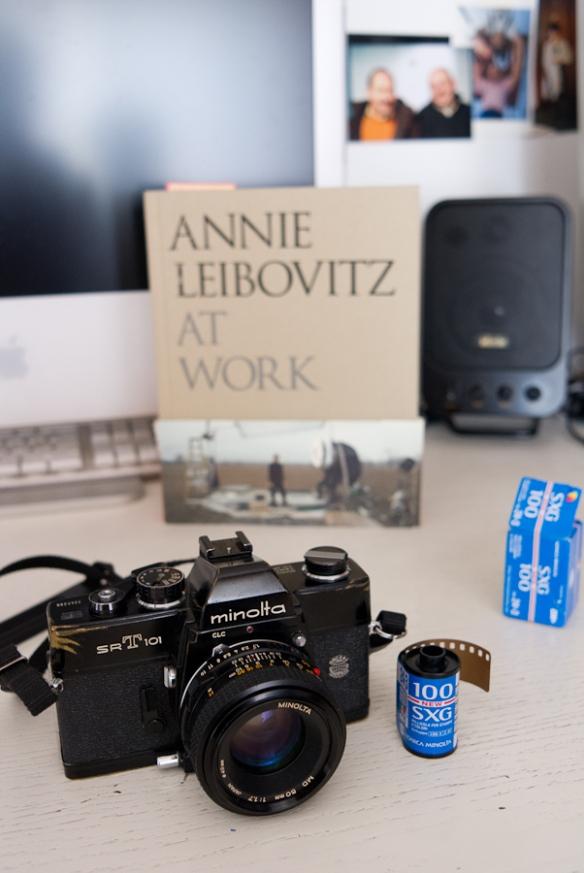 """Minolta srt 101 e Annie Leibovitz book """"Annie Leibovitz at work"""""""