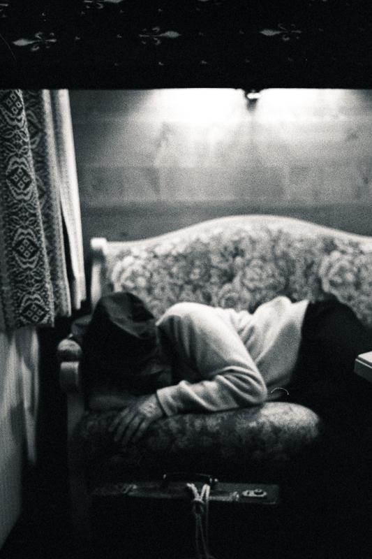 una pausa, un picolo riposo    -  a pause, a short rest...