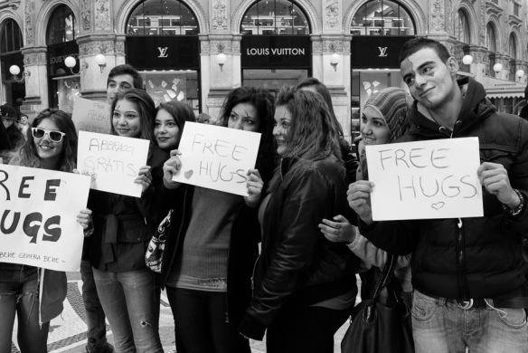free hugs, photo rkr ©2013